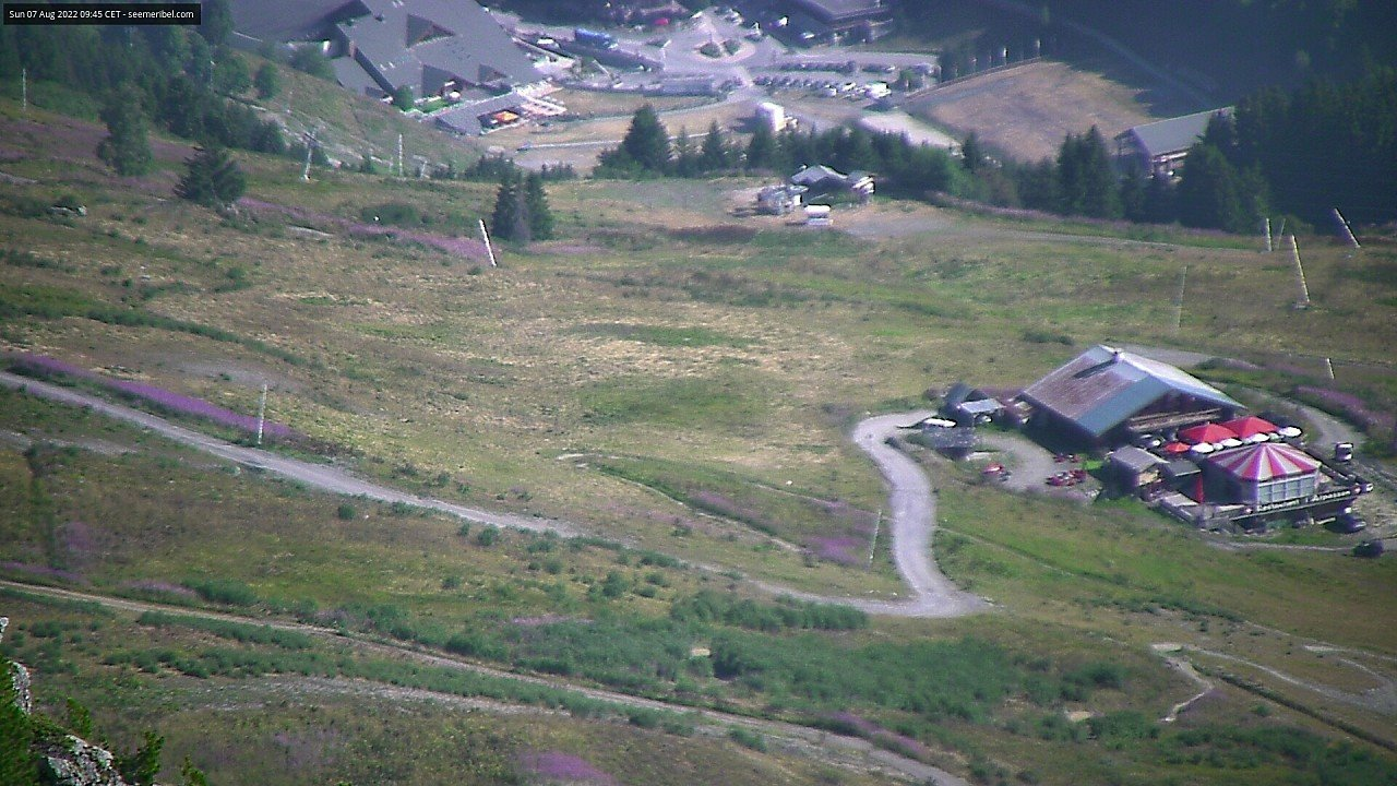 Live webcam of Arpasson Pistes and The Moonpark